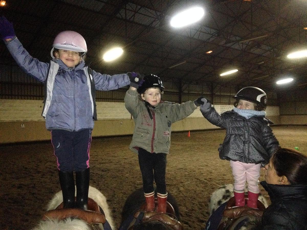 Le poney club du centre équestre le Cavaletti Nivernais près de Nevers dans la Nièvre